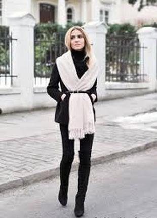 Белый  широкий шерстяной шарф шаль