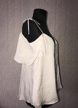 Легкая пудровая летняя блузка с открытыми плечами от river island