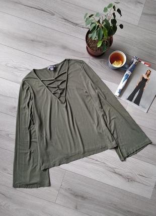 Актуальная кофта блуза со шнуровкой в зоне декольте, свитшот, рукав клеш, цвет хаки 💕