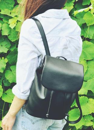 Новый черный рюкзачок