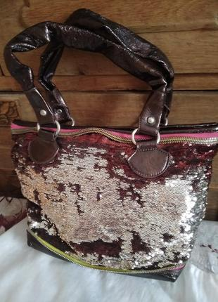 Красивая сумка в пайетках