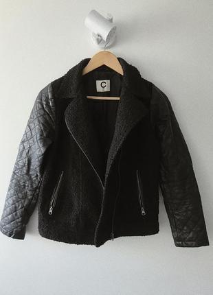 """Черная куртка """"барашек"""" с стегаными рукавами"""