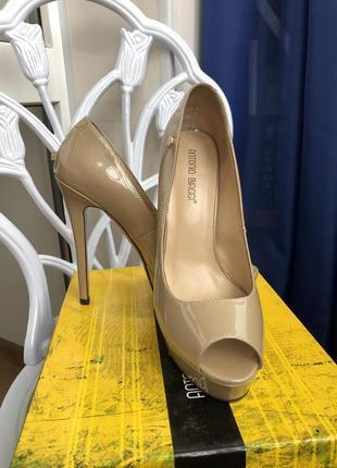 Идеальные базовые босоножки туфли antonio biaggi