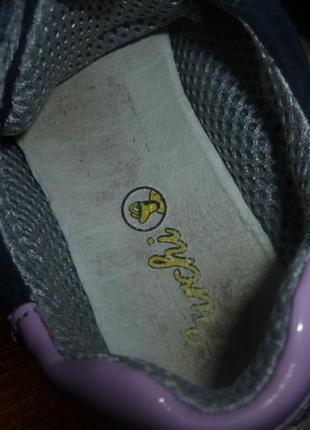Кожаные, фирменные кроссовки для девочки3 фото