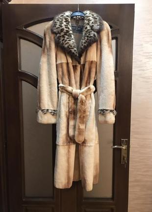 Норковая шуба полу стриженая, знаменитая фирма manzari