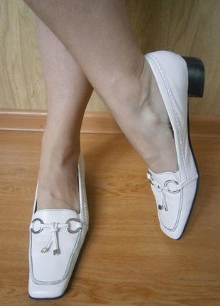 Белые удобные туфельки/нат.кожа/низкий ход 25,5см