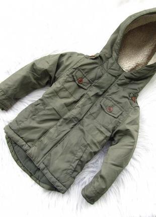 Стильная теплая куртка парка   с капюшоном red tag.
