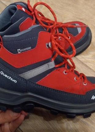 Деми ботинки quechua 32р. стелька 20.5 см.