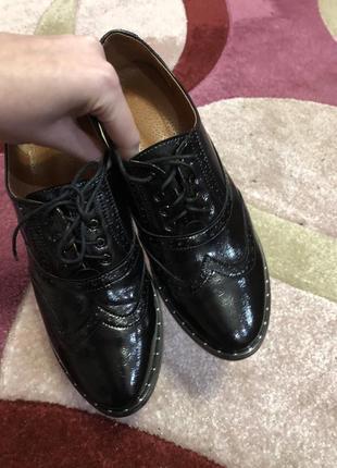 Туфли лоферы, броги, дерби натуральная кожа лакированная
