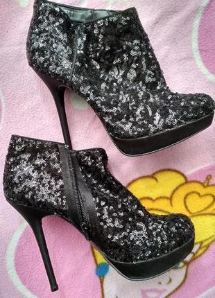 Ботинки, ботильоны черного цвета в пайтки на высоком каблуке, 40 размер, от new look