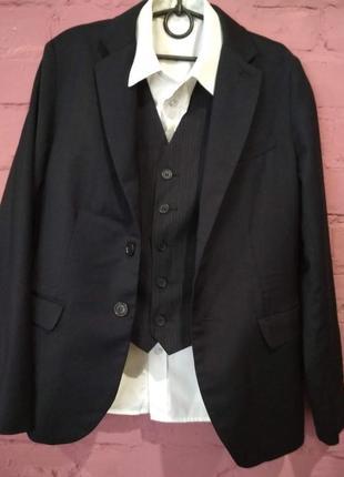 Крутой комплект- жилет и брюки для крутого парня на 9-12 лет. пиджак продан