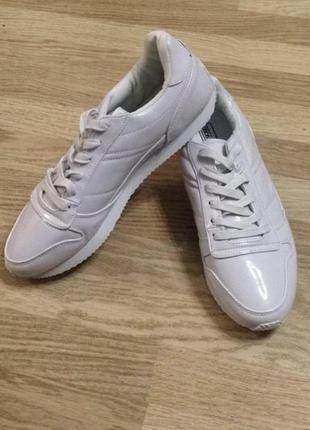 Белые мужские кроссовки asos