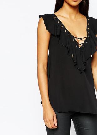 Новая черная блузка с оборками и декольте на шнуровке asos lipsy london маленький размер3 фото