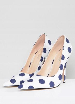 Розкішні туфлі public desire