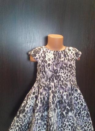 Модное платье с принтом,4-5л,летнее,нарядное