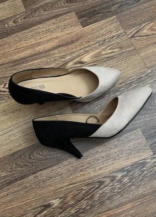 Стильные туфельки лодочки на каблуке