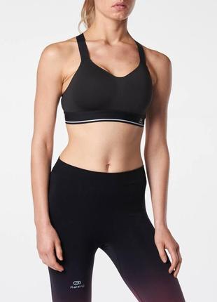 Черный фирменный спортивный топ kalenji m\l бра для бега и фитнеса
