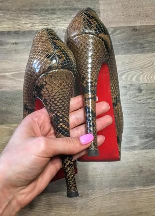 Шикарные туфли christian louboutin