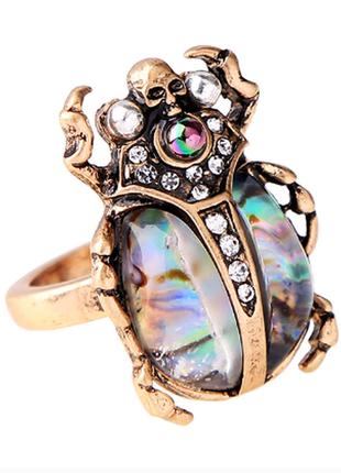 Шикарное оригинальное кольцо жук скарабей с камнем галиотис и жемчугом