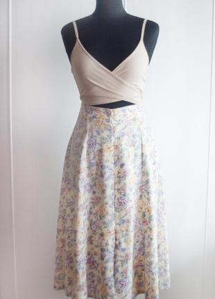 Летняя юбка трапеция из вискозы, миди в цветочек, на пуговицах