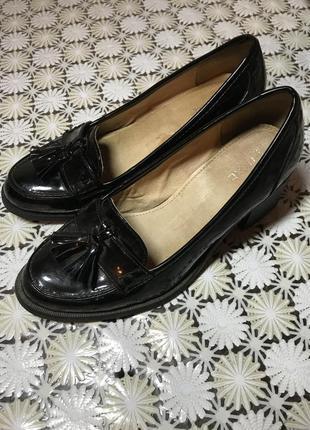 Стильние кожание туфли
