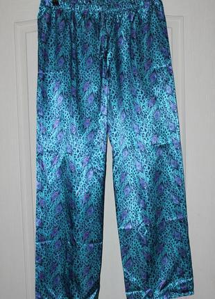 Красивые атласные брючки /домашние брюки /принт перо павлина