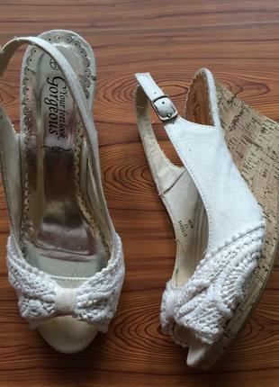 Обувь  босоножки new look размер 6 наш 39 цена 150грн.