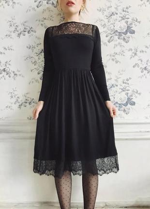 Миди платье с кружевными вставками