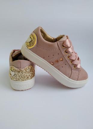 Крутые кроссовки фирмы том.м  для девочек.