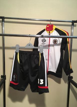 Спортивный костюм,футбольная форма{рост 134-140см}