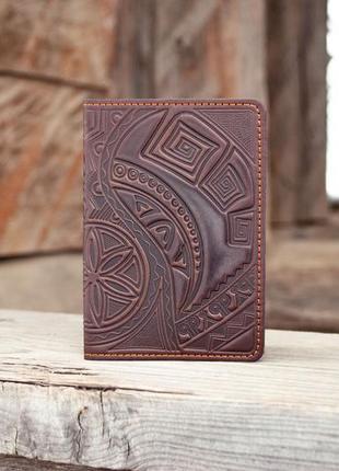 Обложка на паспорт кожаная мужская коричневая с орнаментом культ предков