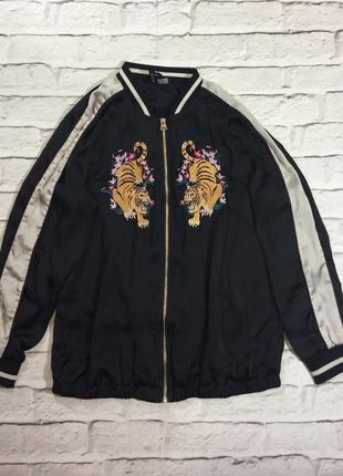 Бомбер с вышивкой тигр h&m легкая куртка divided