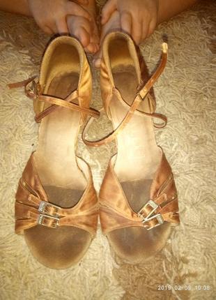 Туфли, босоножки для бальных танцев