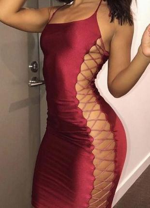 Роскошное бургунди марсала сексуальное платье с переплетами по бокам oh polly s 10