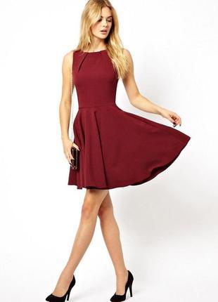 Красивое платье с пышной юбкой, размер l