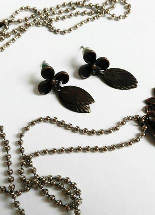 Комплект сережки и кулон ручной работы в стиле натурализма винтажный ретро стильный