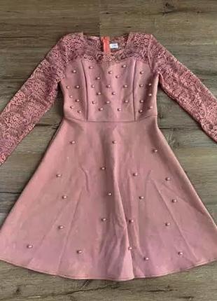 Замшевое платье с гипюром