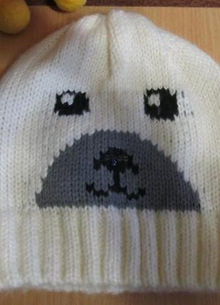 Белая шапка деми