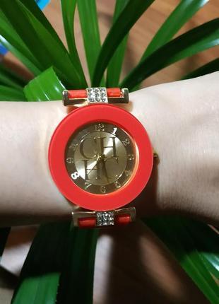 Часы женские кварцевые силикон красные