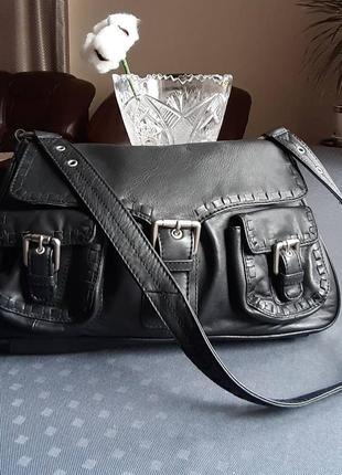 Кожаная красивая черная вместительная сумка на плече фирмы lakeland