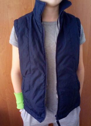 Классная жилетка, безрукавка на 9-11 лет