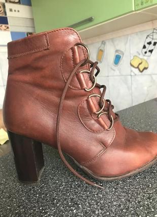 Кожаные качественные ботинки