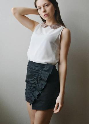 Шикарная черная асиметричная юбка zara