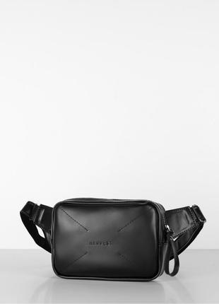 """Черная мужская поясная сумка, бананка на пояс кожаная """"option"""" глянцевая"""