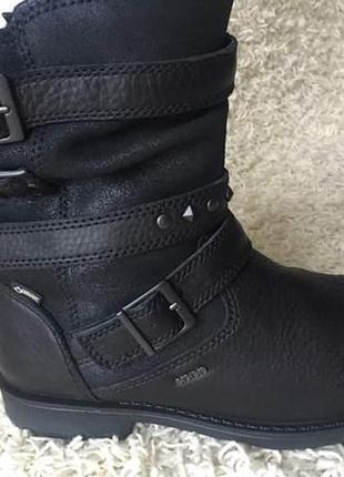 Супер класні черевички gore-tex