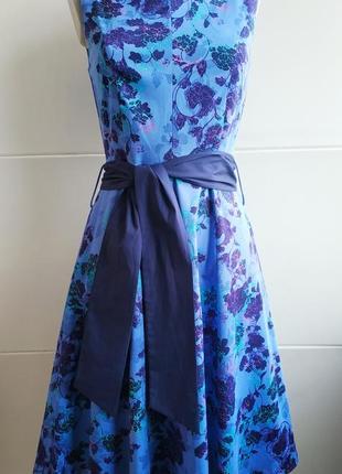 Изумительное платье marks&spencer с  принтом красивых цветов