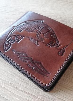 c02a34a46264 Кошелек кожаный с тиснением карп. ручная работа. гаманець шкіряний, портмоне