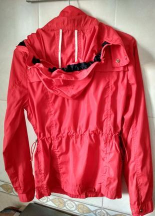 Куртка лёгкая балоневая xs, красная  zara basic