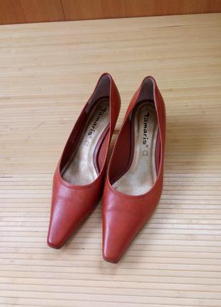 Кожаные туфли каблук рюмочка tamaris3