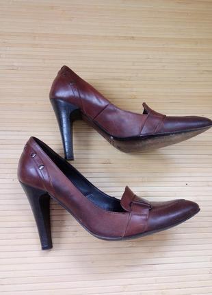 Кожаные туфли с заклёпками lea fascatty3 фото
